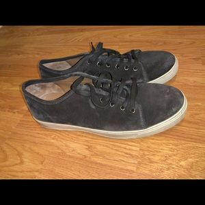 Like new with box vince size 11 all leather shoes